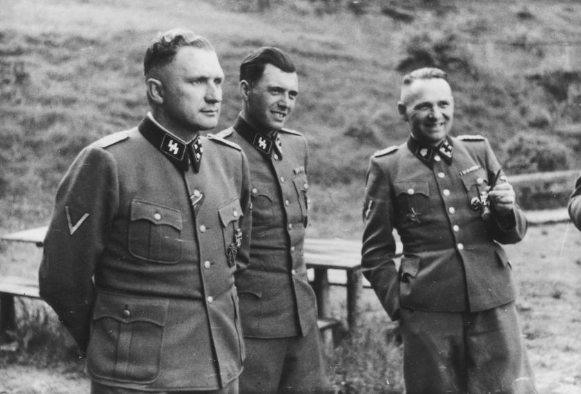 Josef_Mengele,_Richard_Baer,_Rudolf_Hoess,_Auschwitz._Album_Höcker