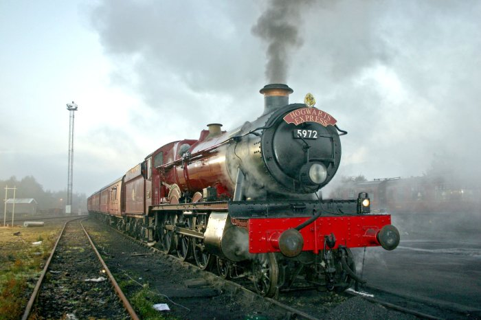 the-hogwarts-express-at-the-national-railway-museum-york.jpeg
