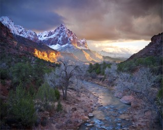 Zion_Canyon_in_winter.jpg